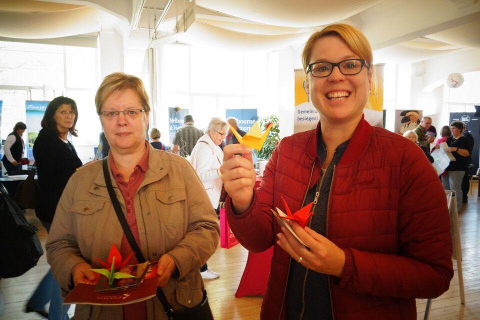 Sogar einen kleinen Kurs im Origamifalten gab es auf unseren Globetrottertagen.