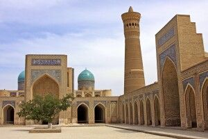 Buchara - der Kaljian Komplex mit Minarett und Moschee