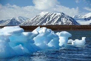 Von den schroffen Bergen bekam Spitzbergen seinen Namen