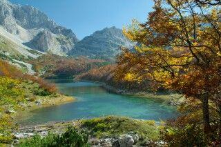 Glasklarer Bergsee