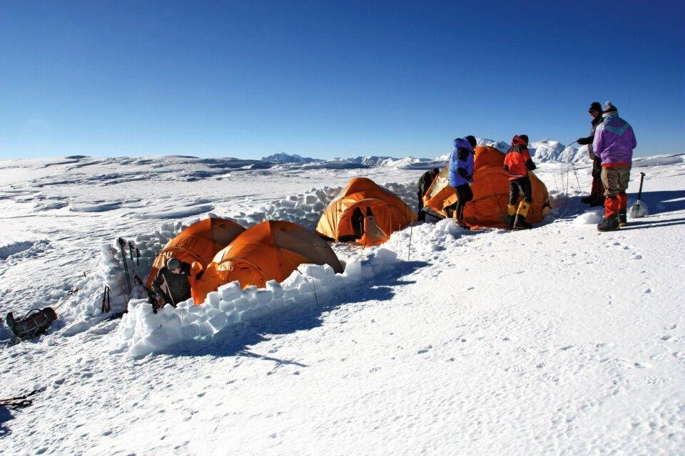 Lager 3 mit entsprechender Abschirmung gegen den Wind.