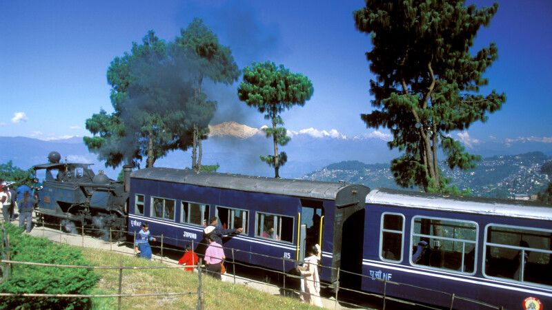 Toy Train in Darjeeling © Diamir