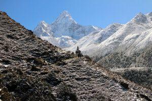 Blick von Pangboche auf Ama Dablam (6812 m)