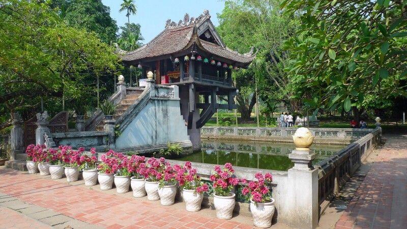 Ein-Säulen-Pagode in Hanoi © Diamir