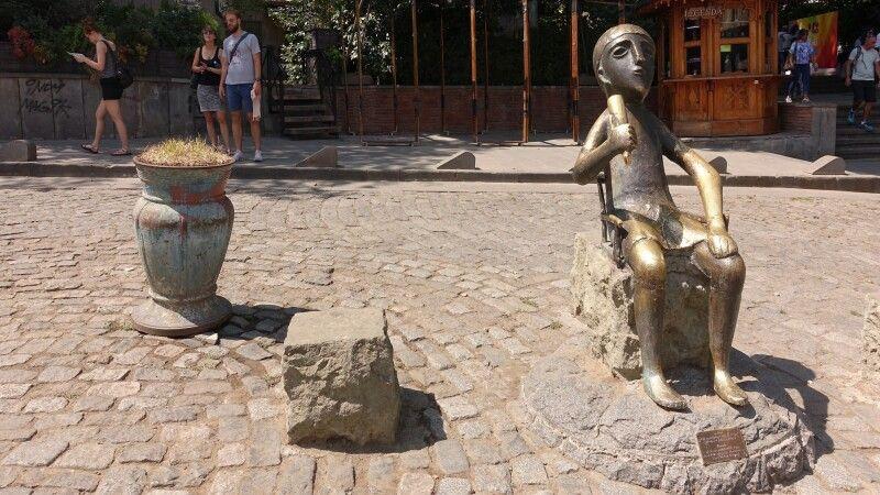 Tamada-Skulptur in Tiflis © Diamir