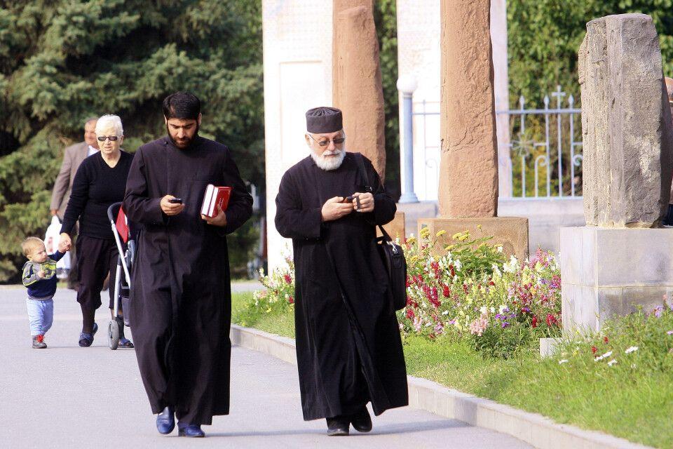 Mönche in Etschmiadsin
