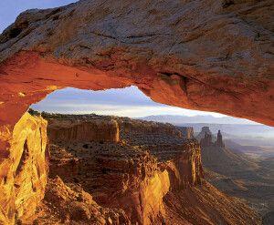 Der berühmte Mesa Arch im Canyonlands NP