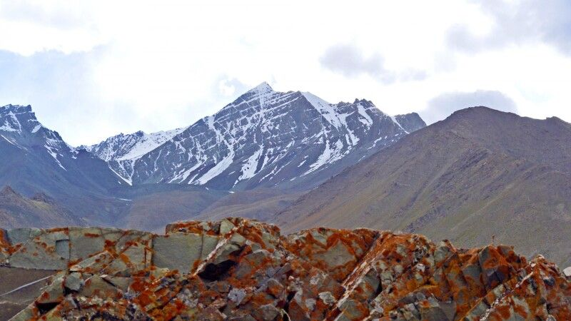 Blick auf Stok Kangri von Berg oberhalb Mankarmo © Diamir