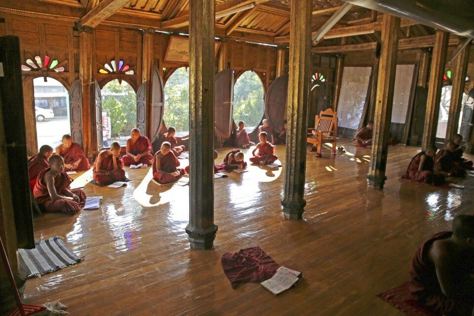 buddhistisches Shwe Yan Pyay Kloster, erbaut Ende des 19. Jahrhunderts