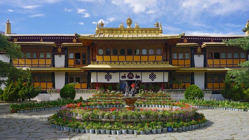 Sommerpalast Norbulingka in Lhasa © Diamir