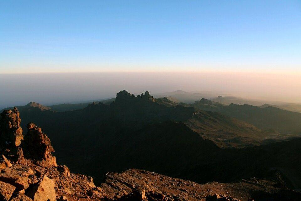Ausblick bei Sonnenaufgang, Mount Kenya
