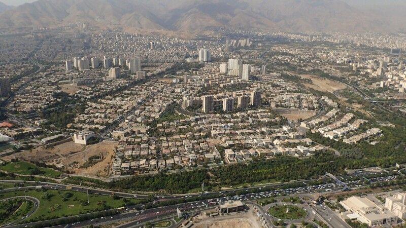 Blick vom Fernsehturm über Teheran. © Diamir
