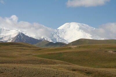 Blick vom Alaital zum Pik Lenin (7134 m)