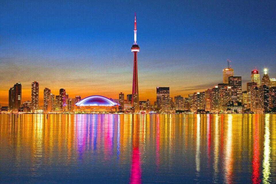 Toronto Skyline im Abendlicht