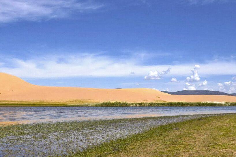 Sanddüne und Fluß