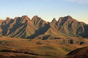 Cathedral Peak in den Drakensbergen, uKhahlamba Drakensberg Park, KwaZulu-Natal