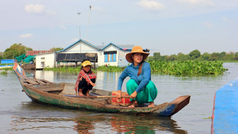 Händlerin auf dem Tonle Sap in Kambodscha © Diamir