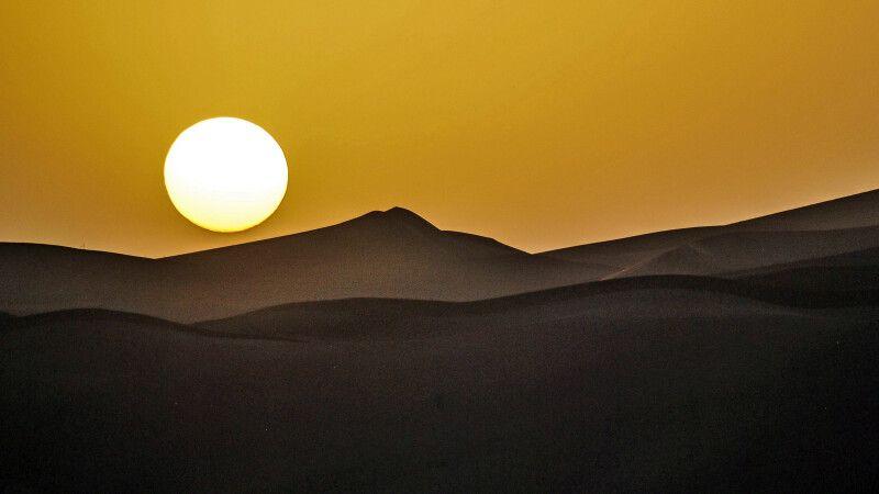 Abendstimmung in der Wüste Dasht-e Lut - © Diamir