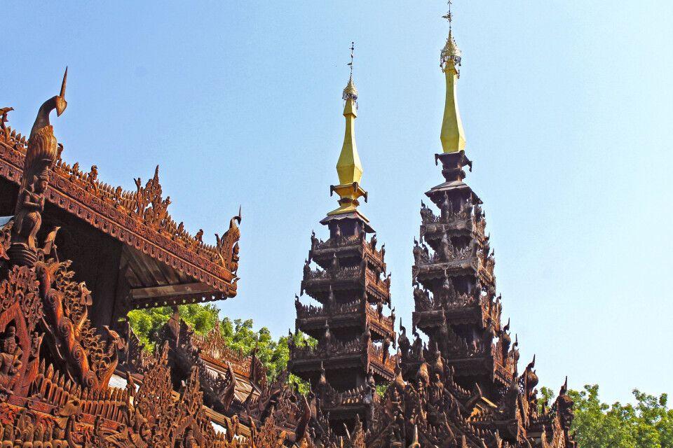 In Bagan findet sich auch das Myoe Duang Kloster mit seinen wunderbaren Holzschnitzereien.