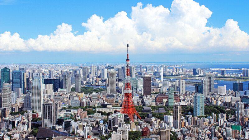 Blick auf Tokio mit dem Tokio-Tower © Diamir