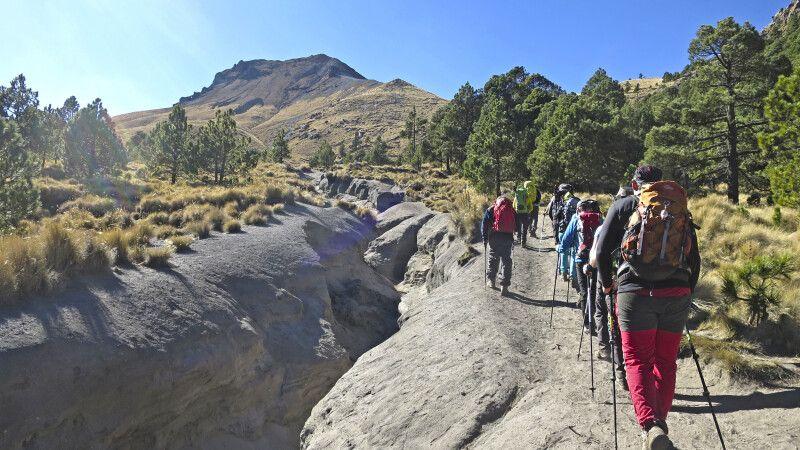 Aufstieg zum Akklimatisationsgipfel Malinche © Diamir