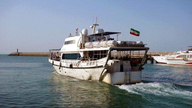 Faehrboot_zur_Insel_Qeshm © Diamir