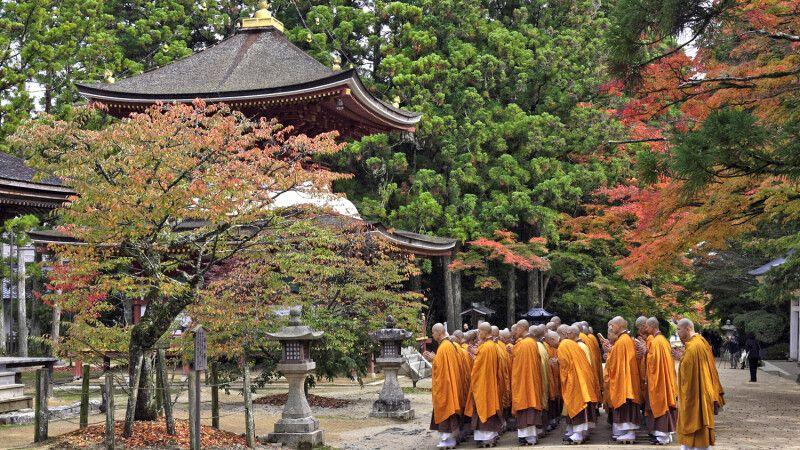 Buddhistische Mönche in Koyasan © Diamir