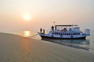 Sundarbans - Boot am Strand