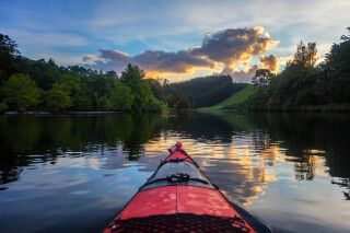 Fahrt in die Nacht über den Lake Mc Laren