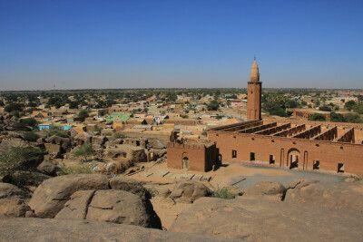 Blick auf Kassala mit Khatmiya-Moschee