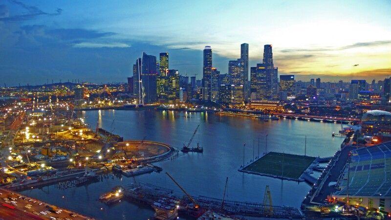 Singapur bei Nacht © Diamir