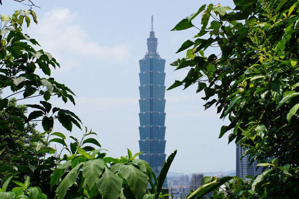Das Taipei 101, der einst höchste Wolkenkratzer der Welt (bis 2007), der optisch an Bambus erinnern soll.