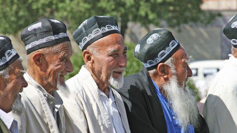 Gruppe alter Usbeken © Diamir