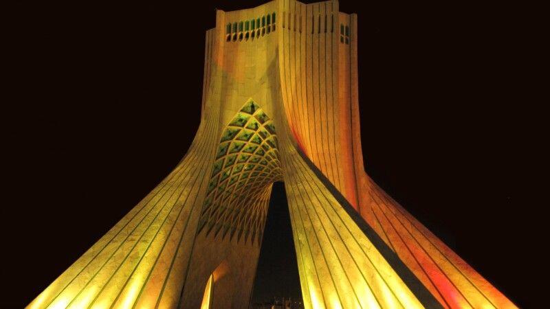 Azadi Turm Teheran © Diamir
