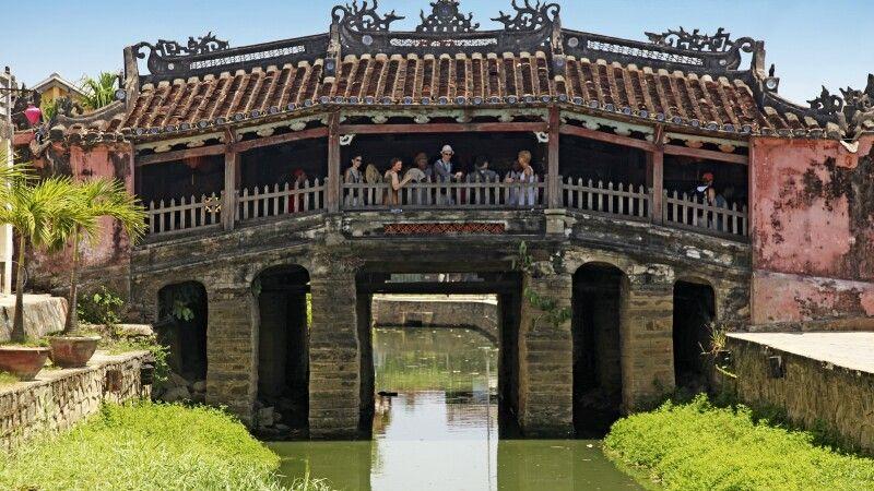 Japanische Brücke - das Wahrzeichen von Hoi An © Diamir