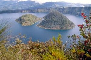 Laguna Cuicocha in Otavalo