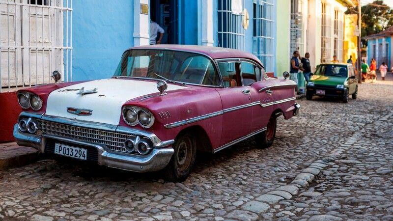Oldtimer in Cienfuegos, Kuba © Diamir