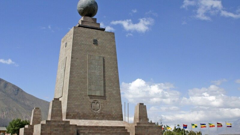 Äquatordenkmal Mitad del Mundo © Diamir