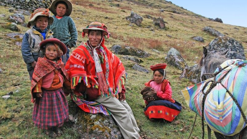 Indigene Familie © Diamir
